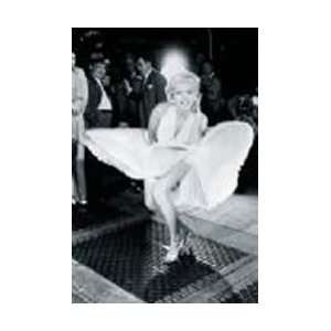 Marilyn Monroe   Dress Blowing Up   39.0x27.3 inches