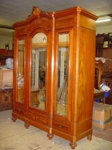LARGE FRENCH MAHOGANY ANTIQUE 3 DOOR ARMOIRE