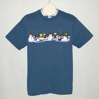 PEANUTS Charlie Brown Snoopy Lucy Winter Snowman Scene Christmas T