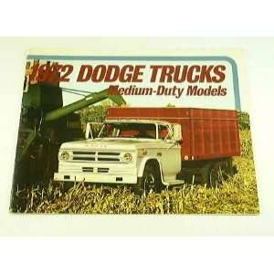 1972 72 DODGE MEDIUM DUTY Truck BROCHURE D800 C600 W600