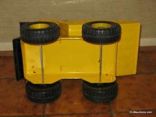 Muscle Machine 16 Dump Truck Toy Model Y 811   NR