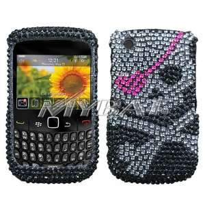 SPARKLING BLACK SKULL WITH PINK EYE PATCH FULL DIAMOND