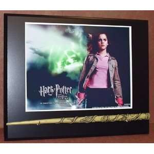 HERMIONE GRANGER HARRY POTTER DELUXE REPLICA WAND AND STAND HOLDER