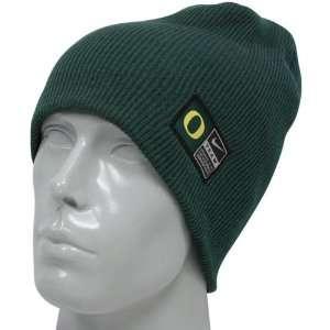 Nike Oregon Ducks Green 2011 Sideline Knit Beanie: Sports & Outdoors