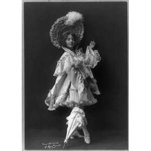 Model posed,costume,parasol,plumed hat,c1904: Home & Kitchen