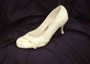 IVORY SATIN & LACE Vintage Style Bridal Wedding Shoes ~ Brand new, all