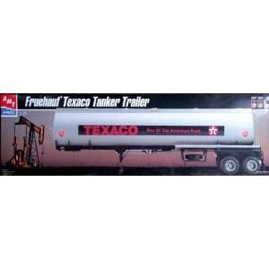 AMT 30063 Fruehauf Texaco Tanker Trailer 1/25 Scale Plastic Model Kit