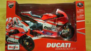 NICKY HAYDEN DUCATI 2011 No.69 MOTO GP MAISTO MODEL MOTORBIKE