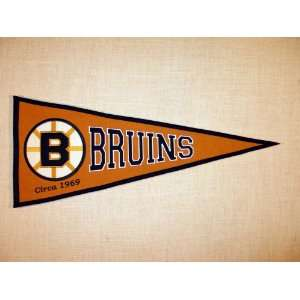 Boston Bruins NHL Vintage Hockey Pennant Sports