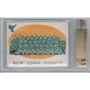 1959 Topps NEW YORK GIANTS Team Card # 133 (BVG 9.5)   NFL
