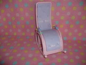 MATTEL BARBIE DOLL HAPPY FAMILY ROCKING CHAIR SEAT OPENS CUTE