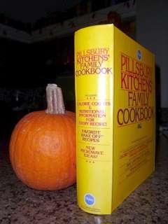 Pillsbury Kitchens Family Cookbook (Copyright 1979) 5 Ring Binder